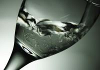 Beber agua mineral ayuda a perder peso