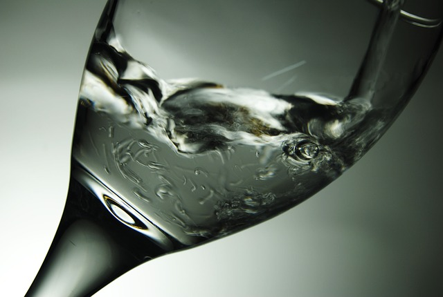 Agua mineral te ayuda a perder peso