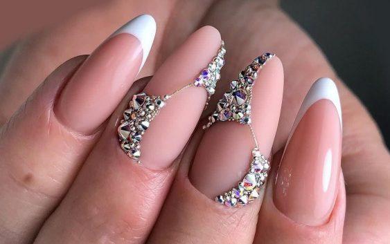 Cursos de uñas acrílicas y de gel